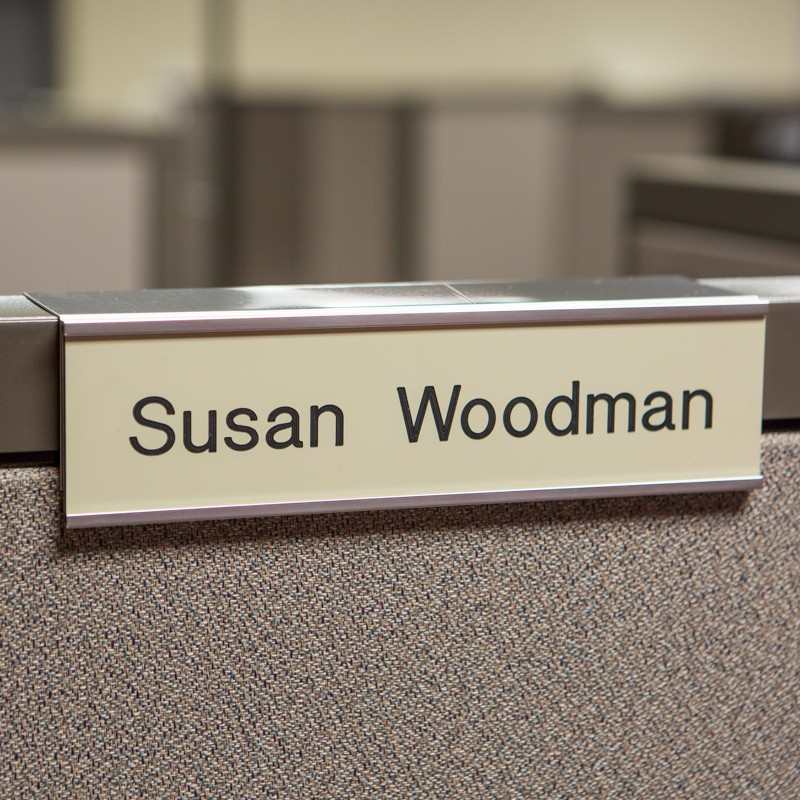 Cubicle Nameplate With Frame - 10W x 2H - 1 Line